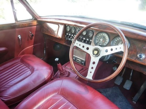 1968 IMMACULATE RHD JAGUAR MK2 3.4 MANUAL OVERDRIVE IN GERMANY SOLD (picture 4 of 6)