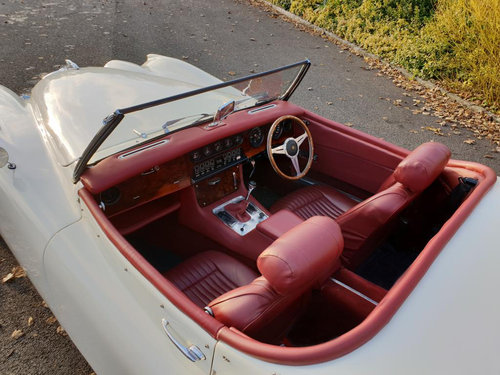 Jaguar XK120 | Hire a stunning XK120 in Yorkshire  For Hire (picture 2 of 4)