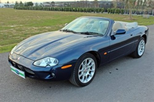 1999 JAGUAR XKR CONVERTIBLE 37,000 MILES For Sale (picture 2 of 6)