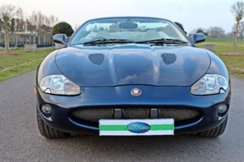 1999 JAGUAR XKR CONVERTIBLE 37,000 MILES For Sale (picture 3 of 6)