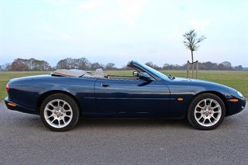 1999 JAGUAR XKR CONVERTIBLE 37,000 MILES For Sale (picture 4 of 6)