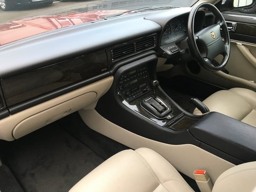 1995 JAGUAR XJ SPORT 3.2 AUTO, STUNNING XJ6 WITH JUST 19K MILES! SOLD (picture 5 of 6)