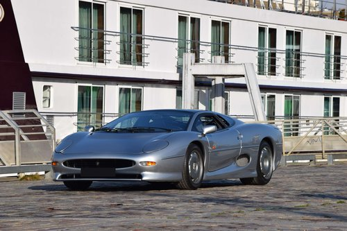 1993 Jaguar XJ 220 For Sale by Auction (picture 1 of 1)