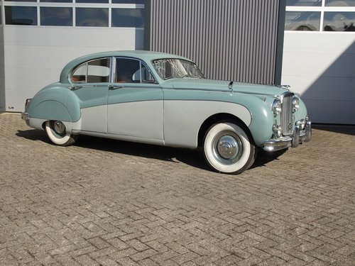 1960 Jaguar MK9 3.8 For Sale (picture 1 of 6)
