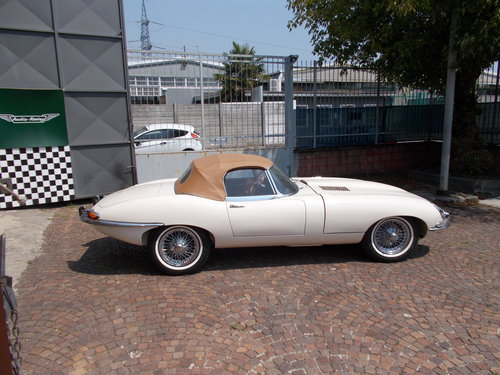 1964 Jaguar E-TYPE SERIE 1 Roadster 4.2 1966 LHD For Sale (picture 1 of 6)