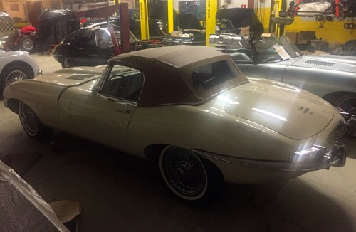 1964 Jaguar E-TYPE SERIE 1 Roadster 4.2 1966 LHD For Sale (picture 2 of 6)