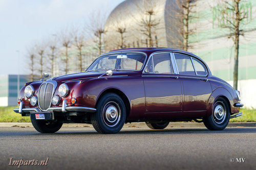 1967 Daimler 250 V8 Manual For Sale (picture 1 of 6)