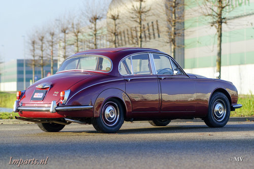 1967 Daimler 250 V8 Manual For Sale (picture 5 of 6)