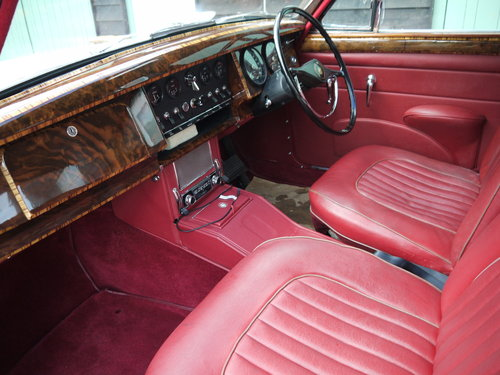 1961 JAGUAR MK2 3.8 AUTO - OUTSTANDING RESTORED CAR !! SOLD (picture 5 of 6)
