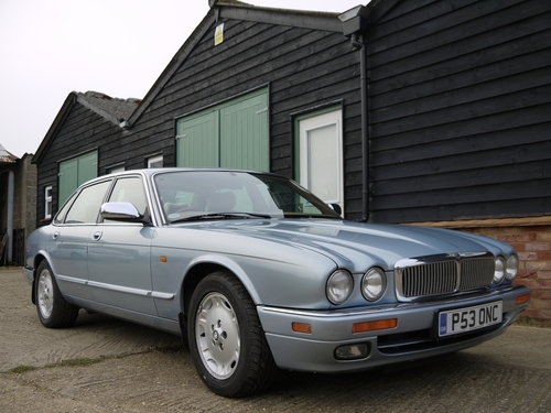 1997 JAGUAR XJ6 3.2 EXECUTIVE - FSH AND GREAT VALUE !! SOLD (picture 1 of 6)