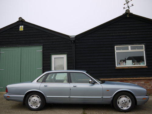 1997 JAGUAR XJ6 3.2 EXECUTIVE - FSH AND GREAT VALUE !! SOLD (picture 3 of 6)