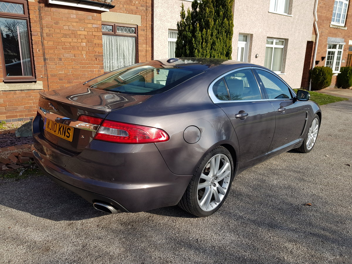 2010 Jaguar xfs with full JAG history mot April low mil For Sale (picture 2 of 6)