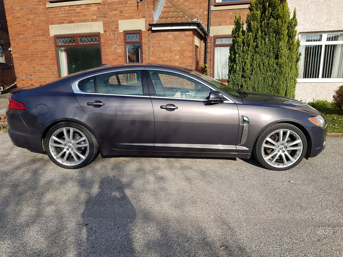 2010 Jaguar xfs with full JAG history mot April low mil For Sale (picture 3 of 6)