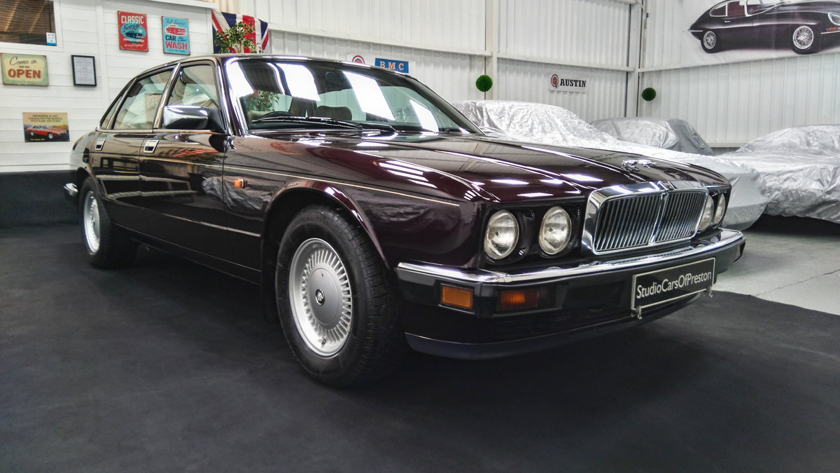 1979 Daimler Double Six 40000 miles. Beautiful condition SOLD (picture 1 of 6)