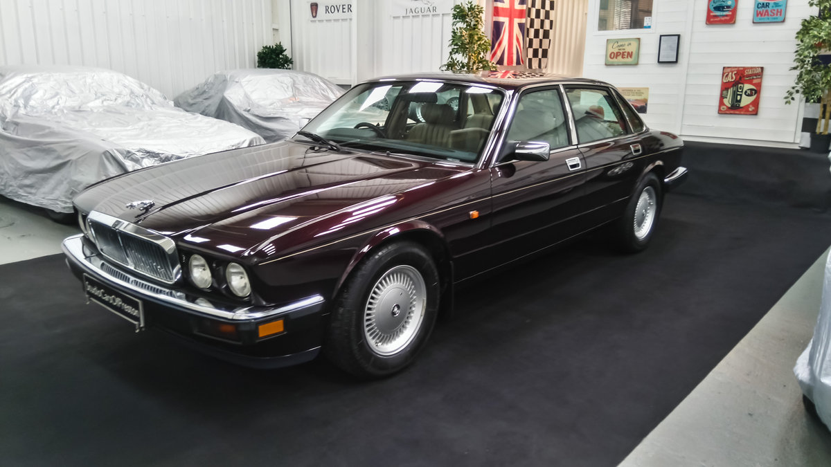 1979 Daimler Double Six 40000 miles. Beautiful condition SOLD (picture 2 of 6)