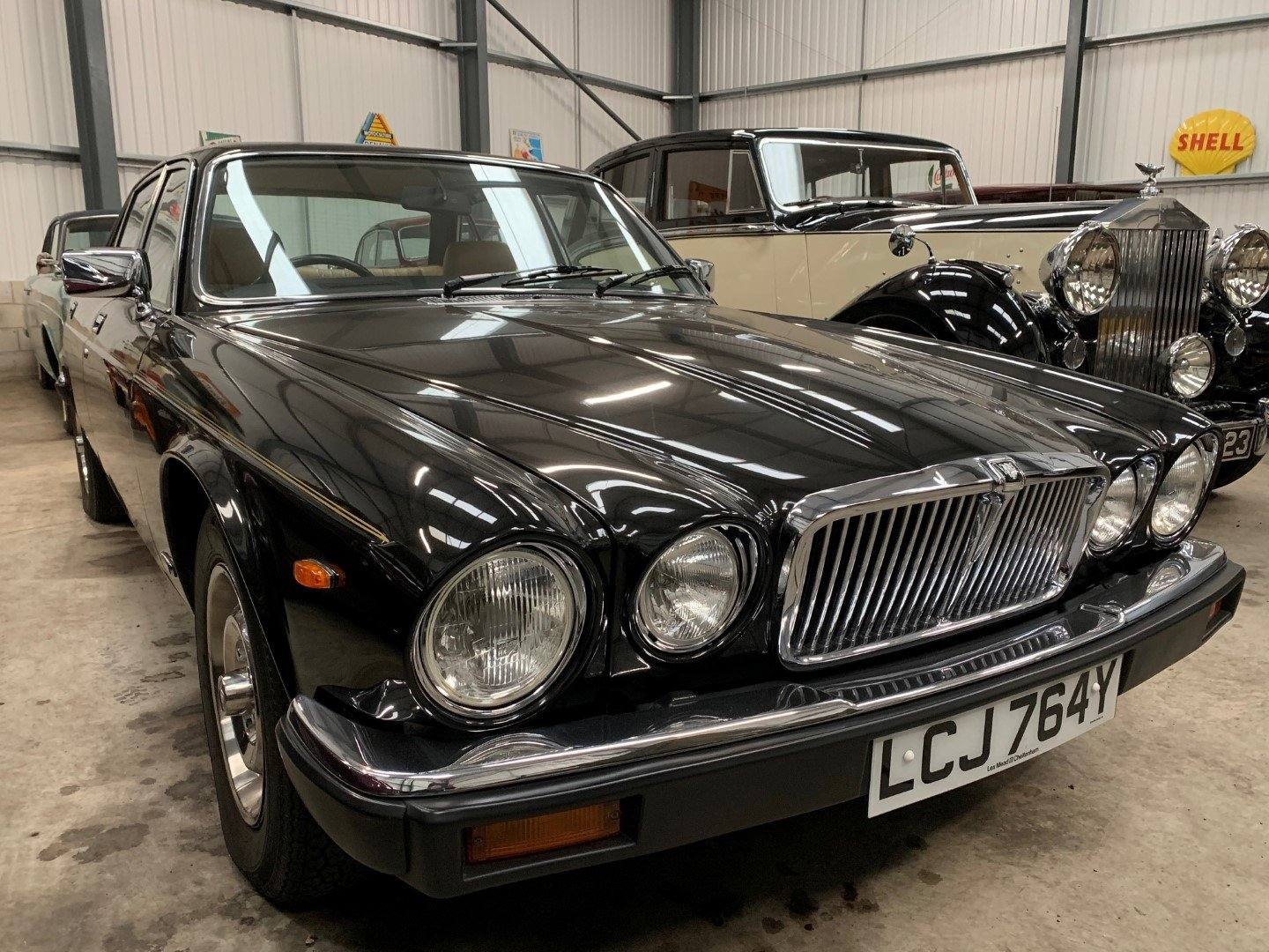 1983 JAGUAR XJ6 4.2 For Sale (picture 4 of 6)