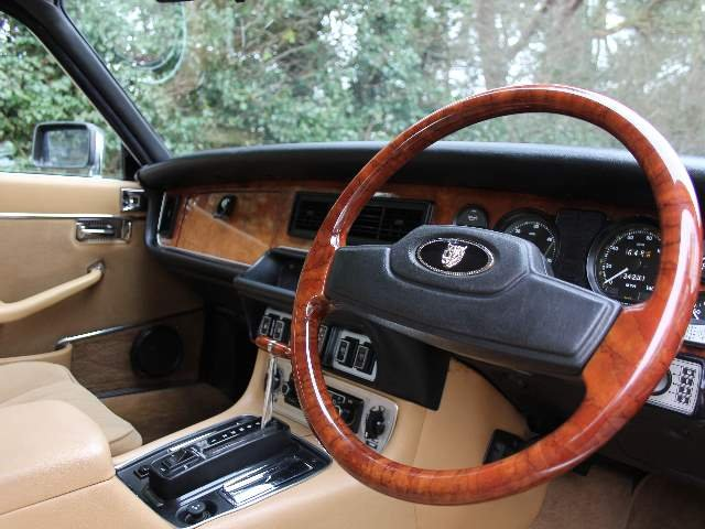 1981 Jaguar XJ6 Series III 4.2, 34k miles, 1st owner Sony SOLD (picture 4 of 6)