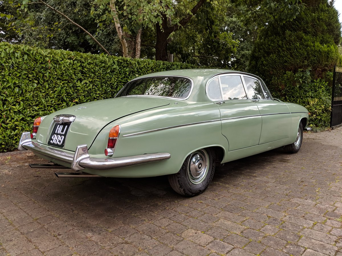 Rare 1968 Willow Green Jaguar 420G Barn Find For Sale (picture 2 of 6)
