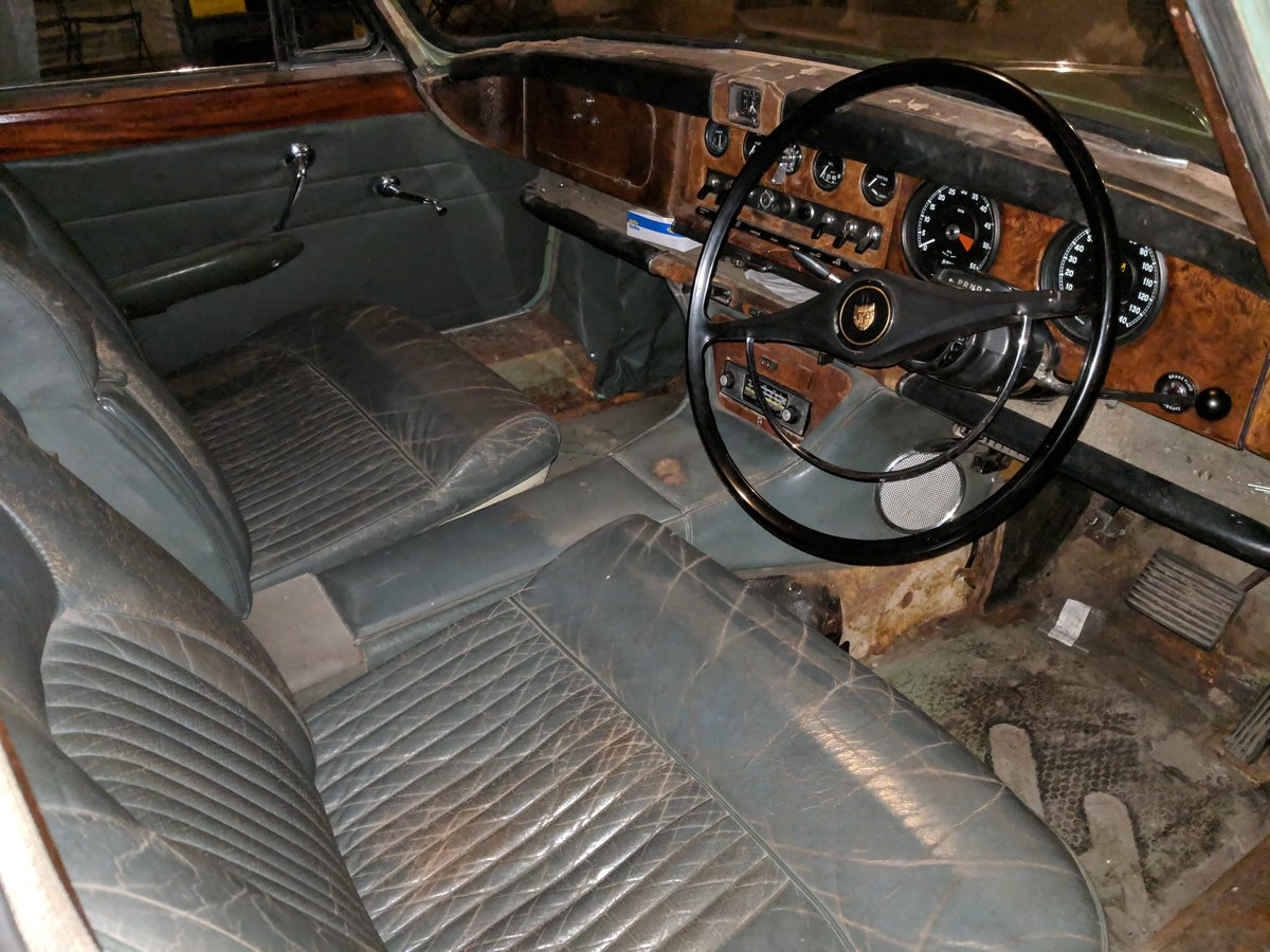 Rare 1968 Willow Green Jaguar 420G Barn Find For Sale (picture 3 of 6)