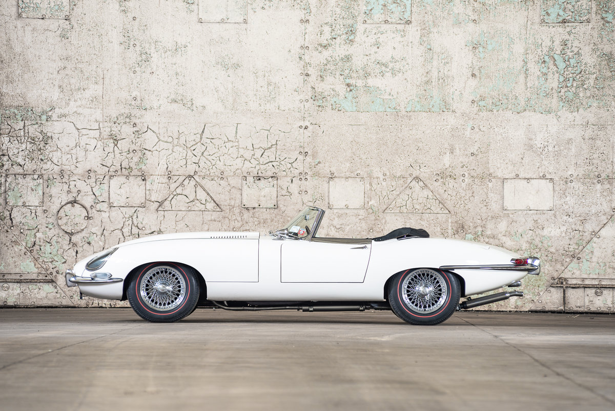 1962 Jaguar E-Type Series I Roadster  For Sale (picture 2 of 6)