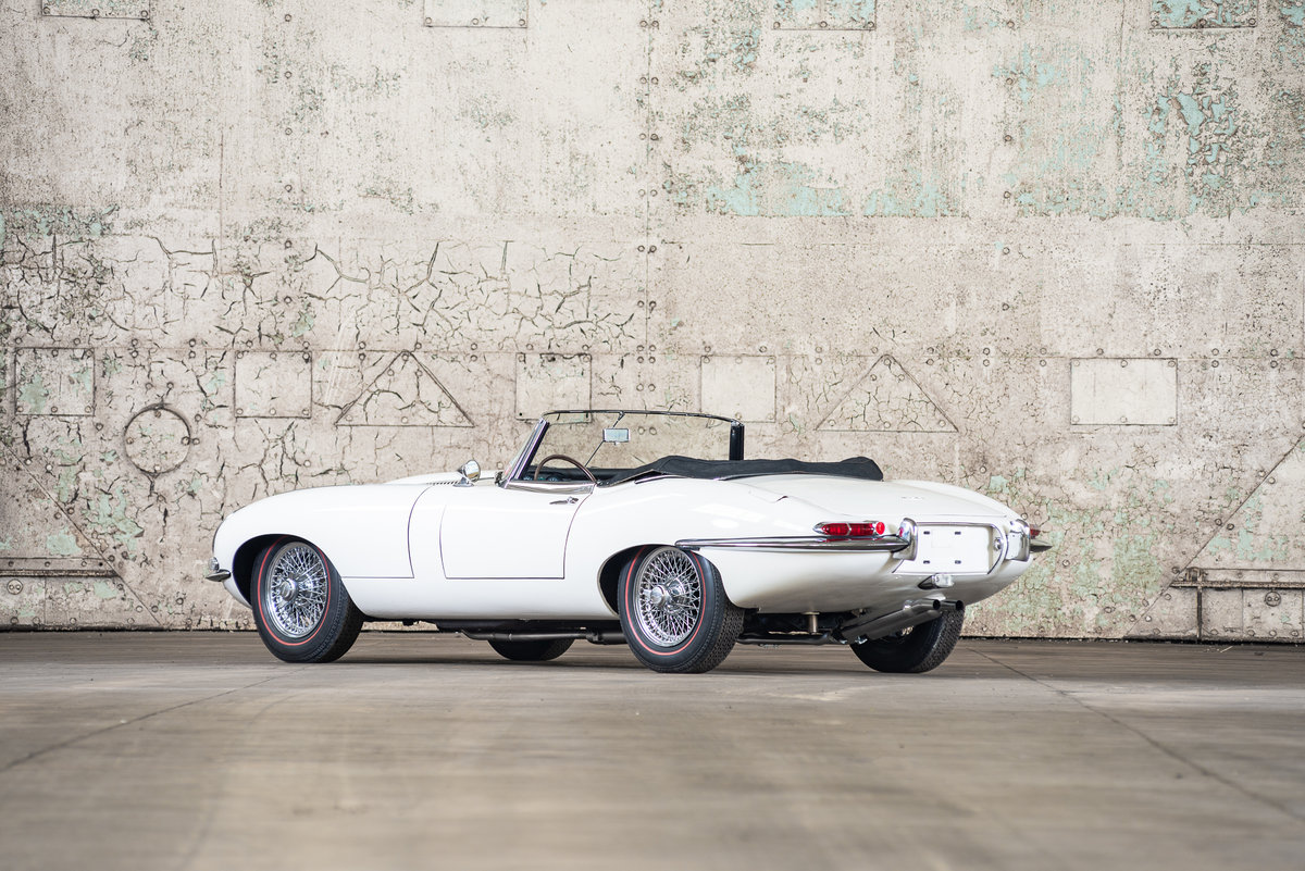 1962 Jaguar E-Type Series I Roadster  For Sale (picture 3 of 6)