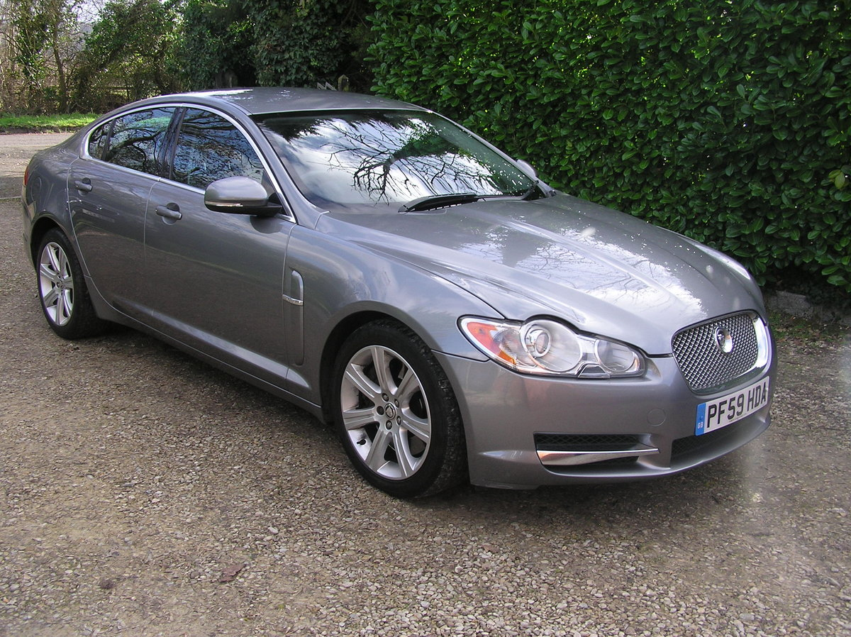 1010 jaguar xf 3.0d luxury automatic For Sale (picture 1 of 6)
