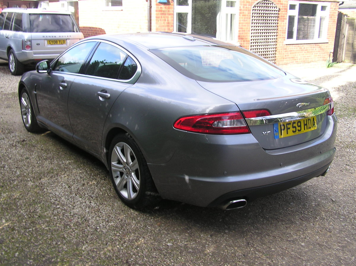 1010 jaguar xf 3.0d luxury automatic For Sale (picture 3 of 6)