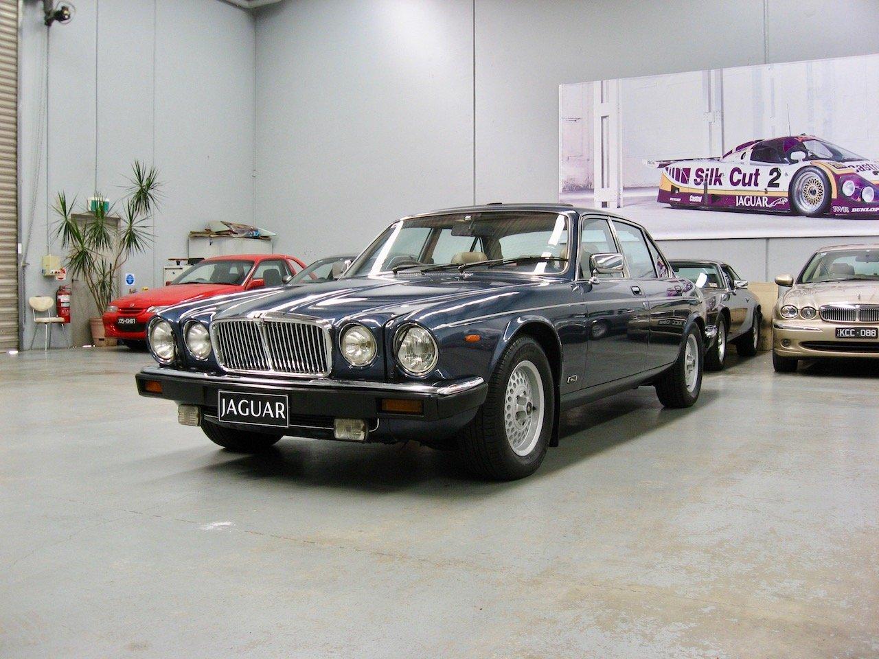 1987 Jaguar XJ12 Series 3 Sovereign V12 For Sale (picture 2 of 6)