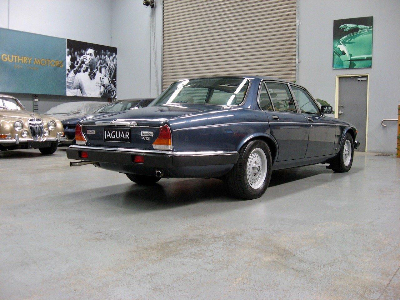 1987 Jaguar XJ12 Series 3 Sovereign V12 For Sale (picture 3 of 6)