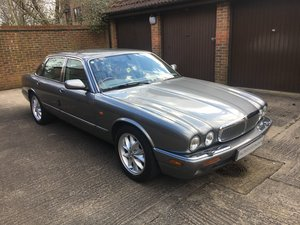 Jaguar XJ8 3.2 SE  2002 '52' reg  SWB Auto 53k with FMDSH For Sale