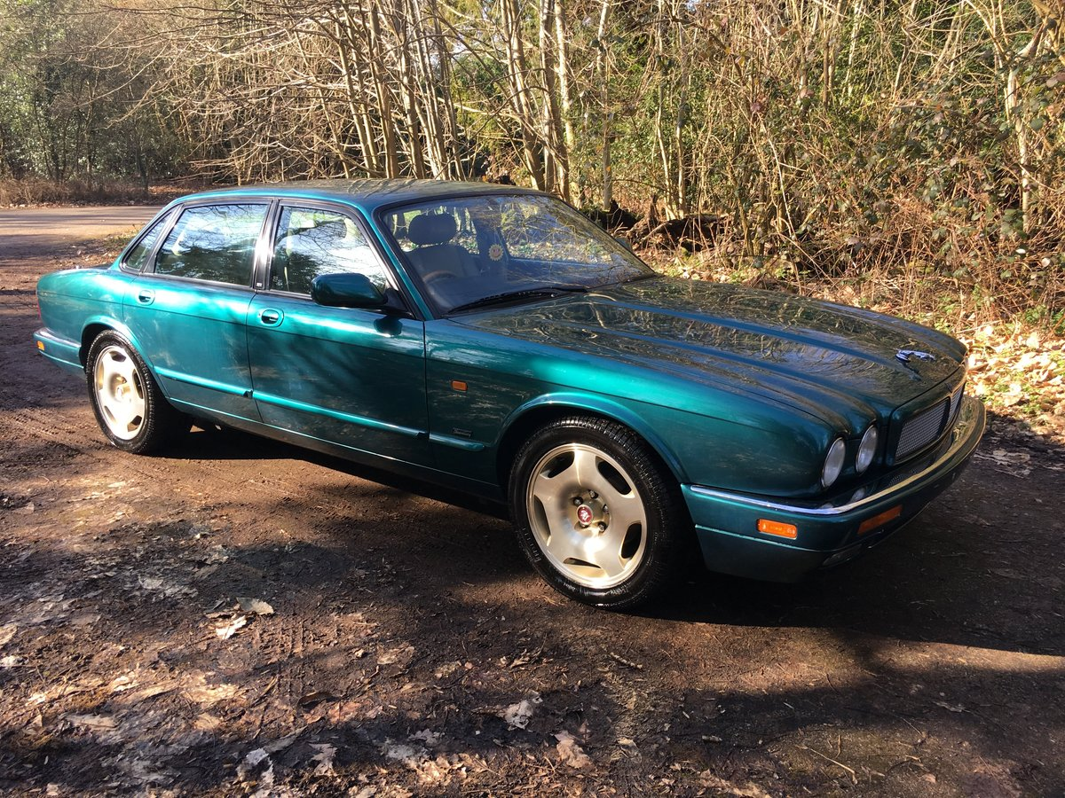 1997 Jaguar XJR X306 51k perfect original and rust free 75HD Pics For Sale (picture 1 of 6)