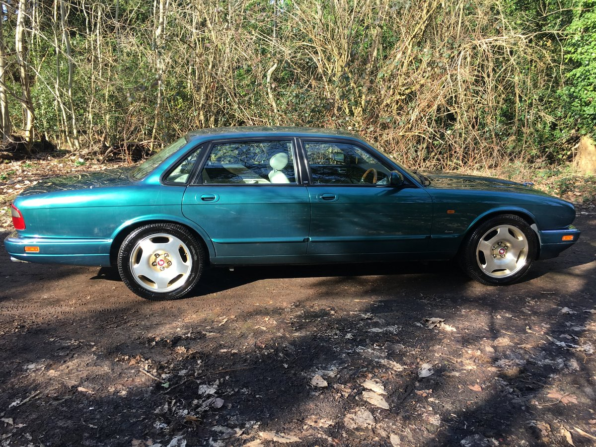 1997 Jaguar XJR X306 51k perfect original and rust free 75HD Pics For Sale (picture 2 of 6)