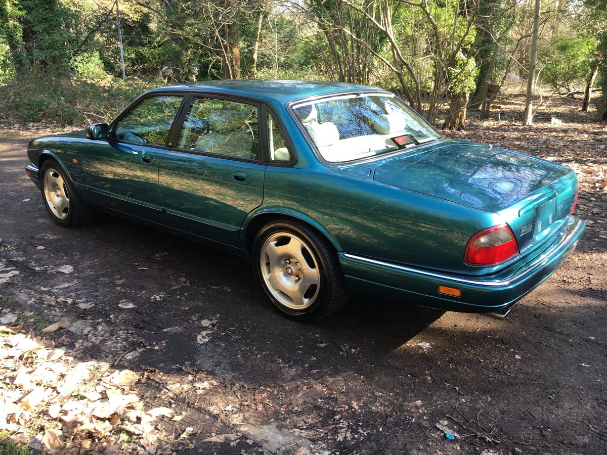 1997 Jaguar XJR X306 51k perfect original and rust free 75HD Pics For Sale (picture 3 of 6)