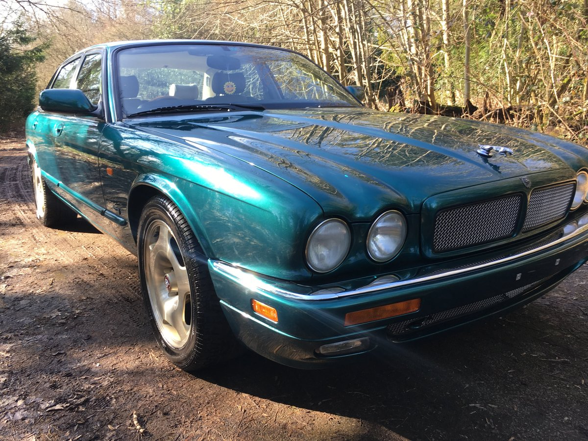 1997 Jaguar XJR X306 51k perfect original and rust free 75HD Pics For Sale (picture 4 of 6)