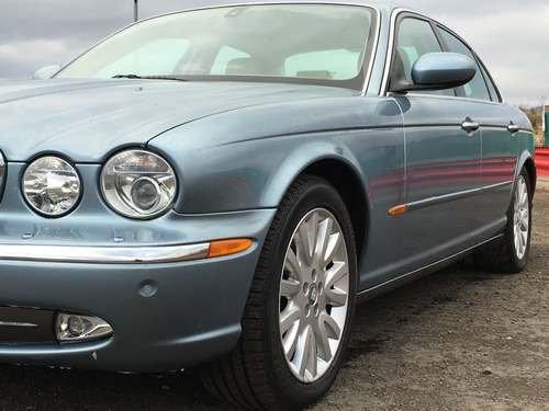 2004 Jaguar XJ8 V8 SE Auto at Morris Leslie Auction SOLD by Auction (picture 3 of 6)
