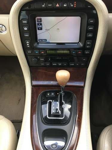 2004 Jaguar XJ8 V8 SE Auto at Morris Leslie Auction SOLD by Auction (picture 6 of 6)