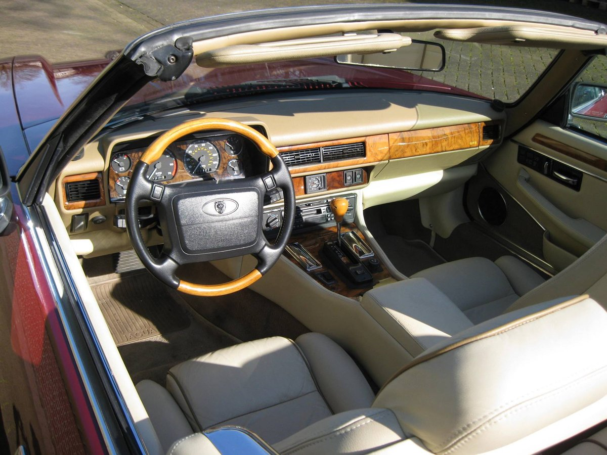 1996 Jaguar XJS 4.0 Convertible € 26.900,-- For Sale (picture 4 of 6)
