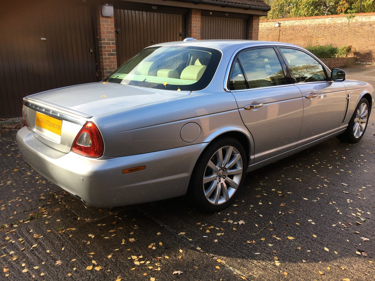 Jaguar XJ6 2008 3.0 petrol 49k, High spec, £250 tax per year For Sale (picture 2 of 6)