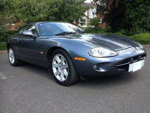 1997 Xk8 Coupe in Titainium Grey For Sale