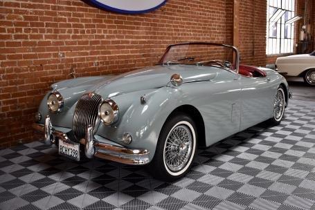 1958 Jaguar XK150 3.4 Liter Roadster = Grey(~)Red $125k For Sale (picture 1 of 6)
