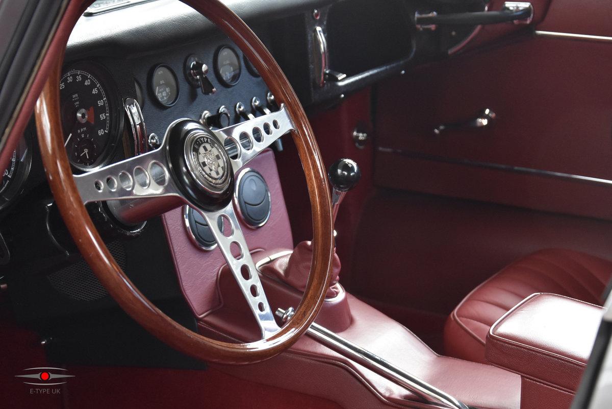 1965 Jaguar E-type Series 1 4.2 LHD FHC For Sale (picture 4 of 6)