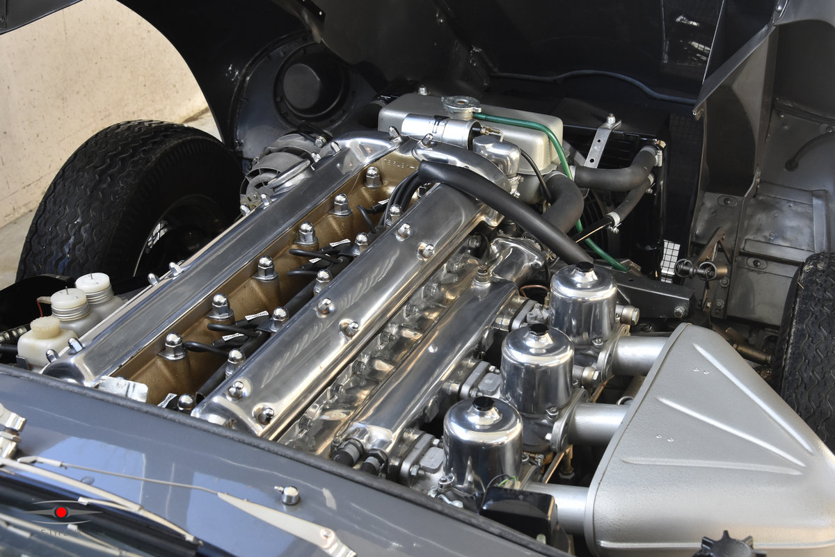 1965 Jaguar E-type Series 1 4.2 LHD FHC For Sale (picture 5 of 6)
