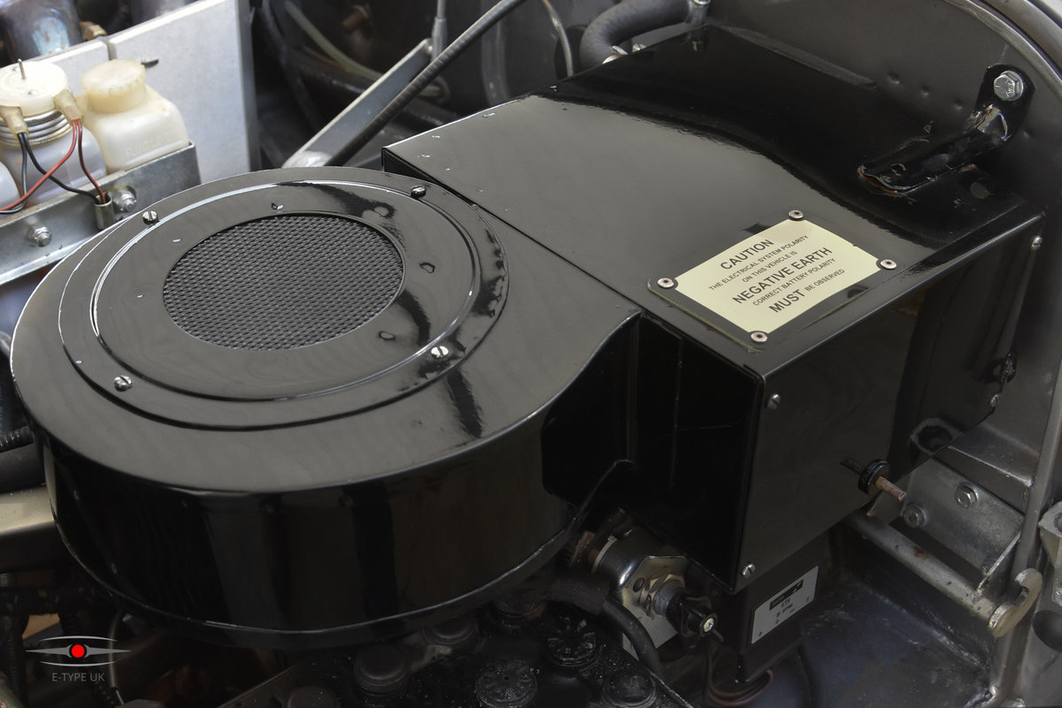 1965 Jaguar E-type Series 1 4.2 LHD FHC For Sale (picture 6 of 6)