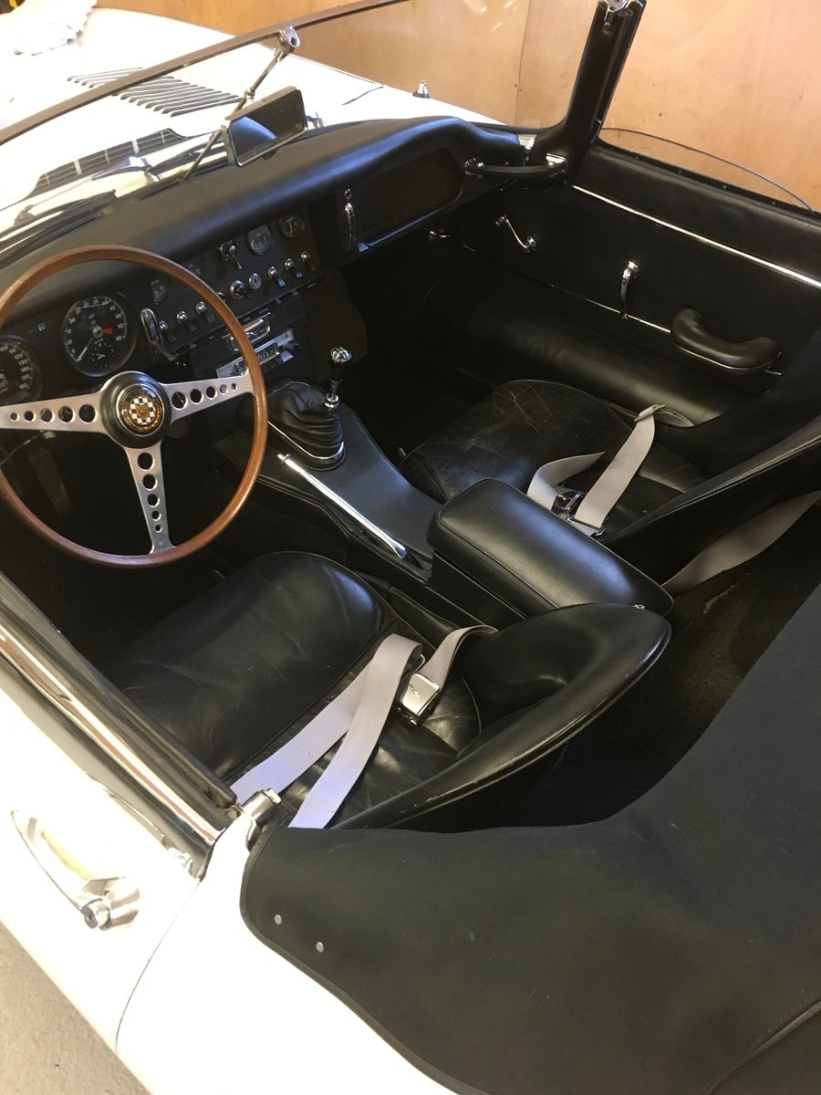1963 LHD Matching Numbers E Type Roadster For Sale (picture 3 of 4)