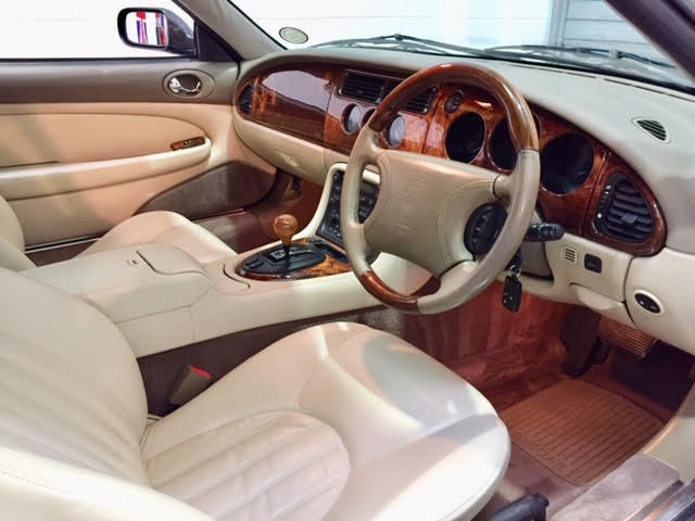 1996 Jaguar XK8 Auto Convertible - Ultimate Showroom Condition! For Sale (picture 2 of 6)