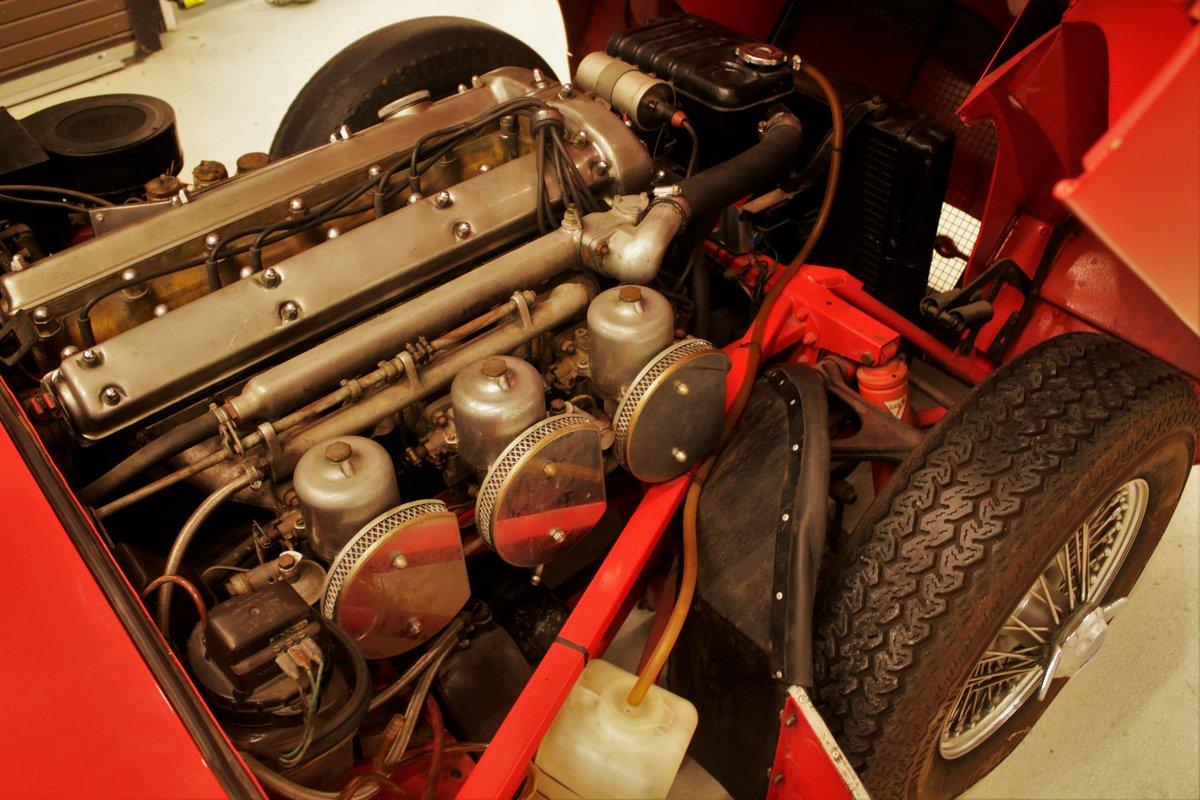 1962 Jaguar XKE Roadster Flat Floor SOLD (picture 3 of 5)