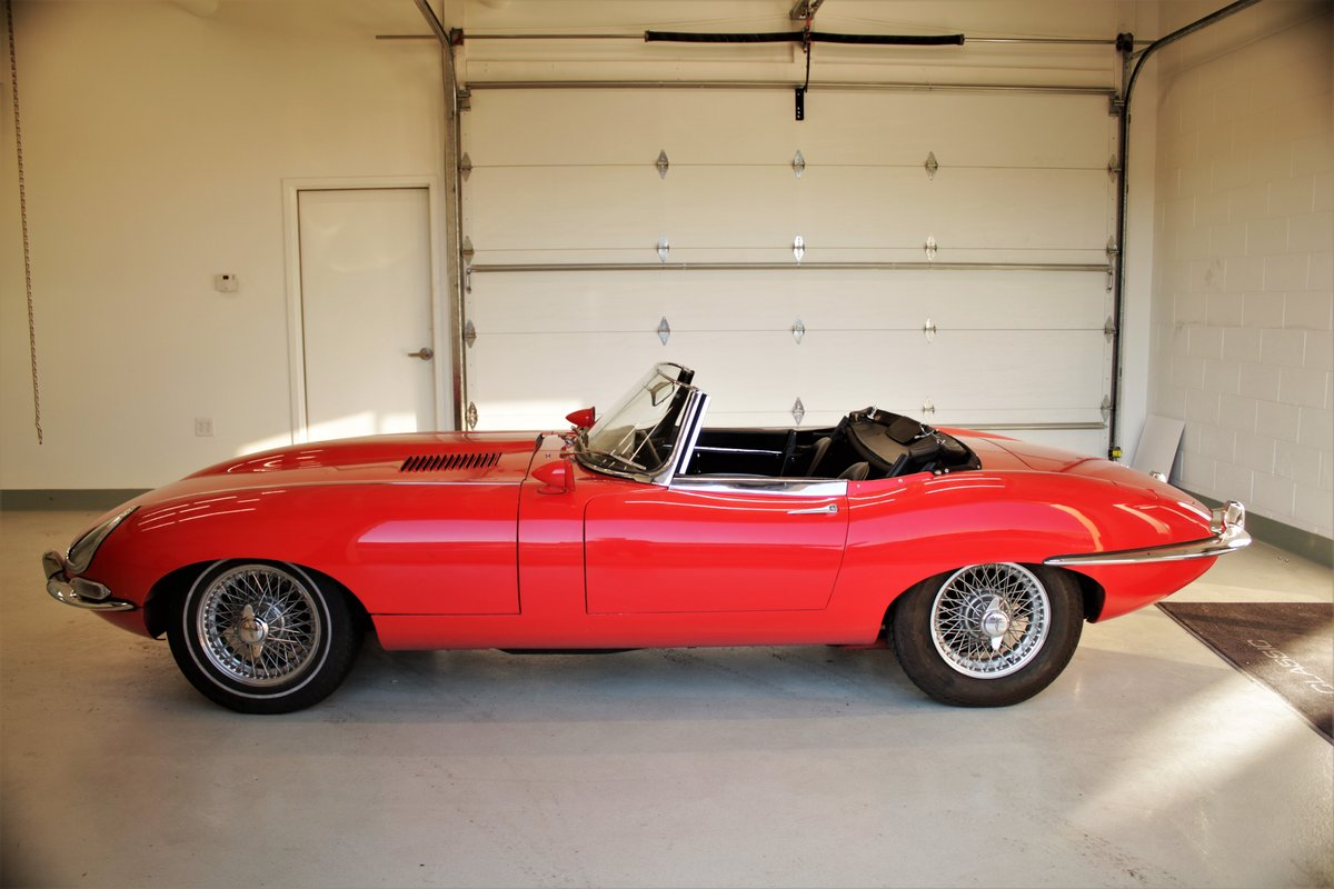 1962 Jaguar XKE Roadster Flat Floor SOLD (picture 4 of 5)