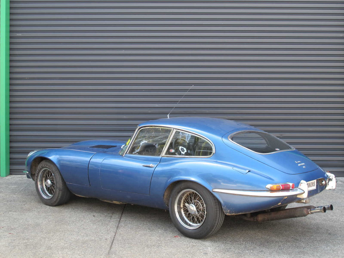 Jaguar E-Type S1 FHC RHD 1967 For Restoration For Sale (picture 2 of 6)