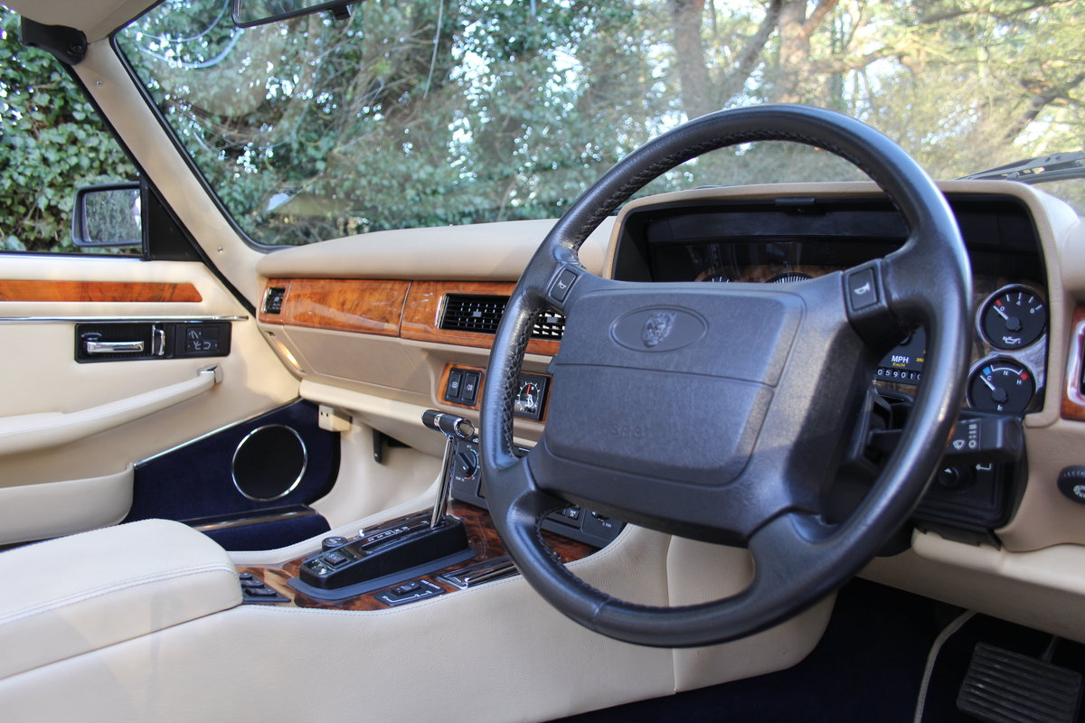 1994 Jaguar XJS 4.0 Convertible - 58k miles from new SOLD (picture 6 of 12)