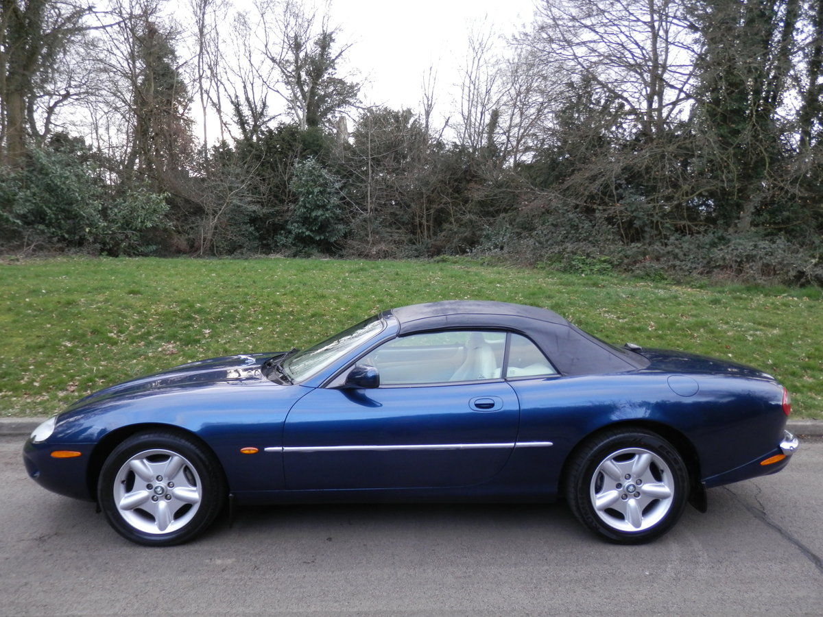 Jaguar XK8 Convertible.. 4.0 V8 Auto.. P/X To Clear. Bargain SOLD (picture 1 of 6)